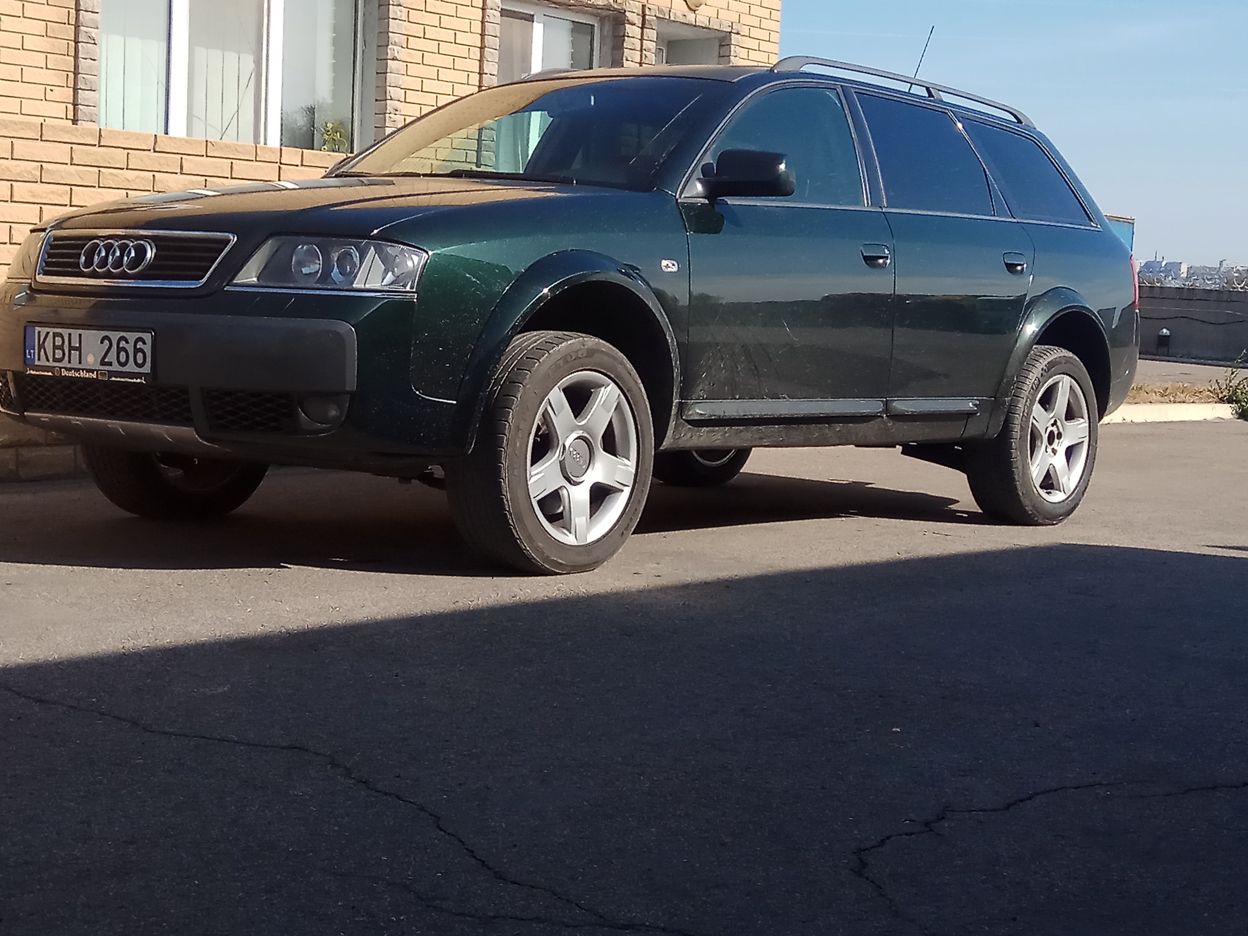 Audi A6 Allroad I (C5) 2.5d AT/MT (180 л.с.) 4WD