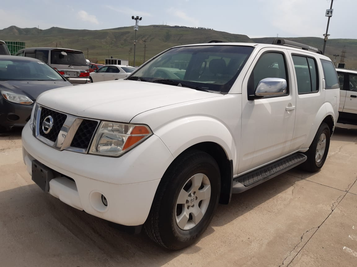 Nissan Pathfinder III 4.0 AT (270 л.с.) 4WD