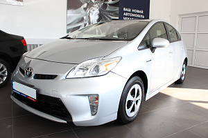 Toyota Prius III (ZVW30) 1.8hyb AT (98 л.с.)