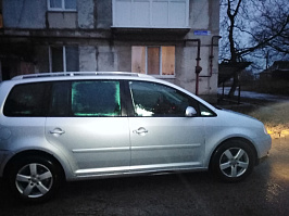Volkswagen Touran II 1.9d AT/MT (105 л.с.)